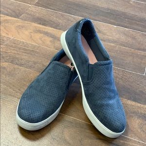 Dr scholls sneakers.  Size 9